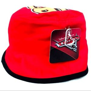 Nickelodeon Accessories - NWT Disney Cars Lightning McQueen Red Bucket Hat 71a8d4e7b37